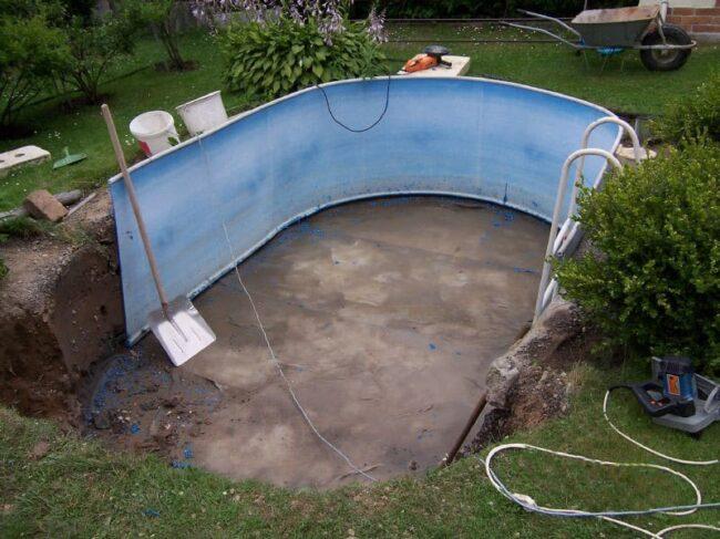 rozřezání plastového bazénu