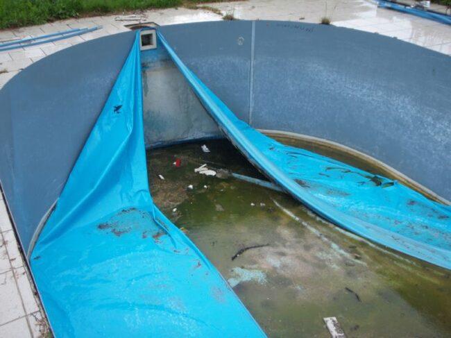 vyfóliování plastového bazénu