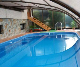 Bazén Havai spojený s domem