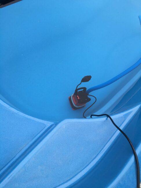 Odpouštění bazénu kalovým čerpadlem